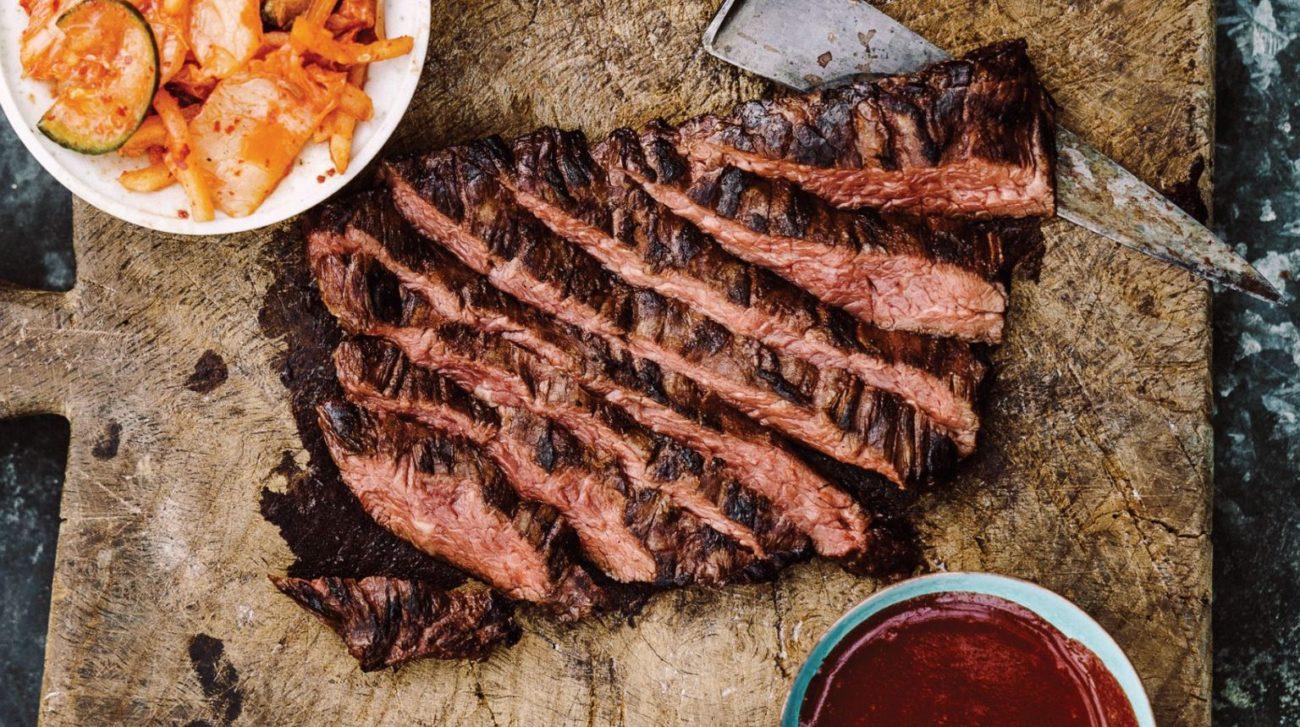 Steiks ar medu un melnajiem pipariem