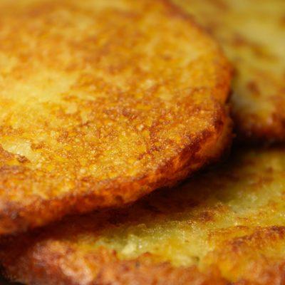 saldā kartupeļa pankūkas